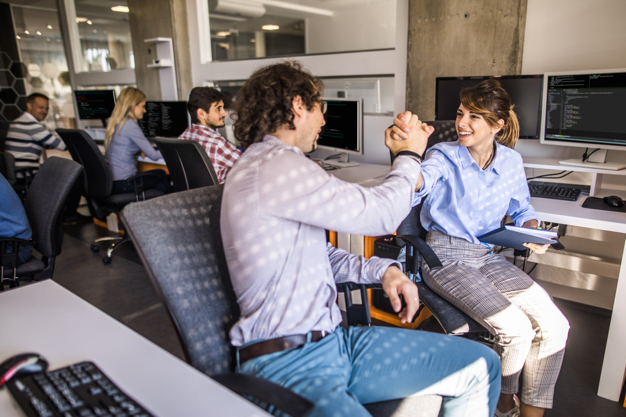 Como promover o trabalho em equipe de desenvolvedores em uma empresa?