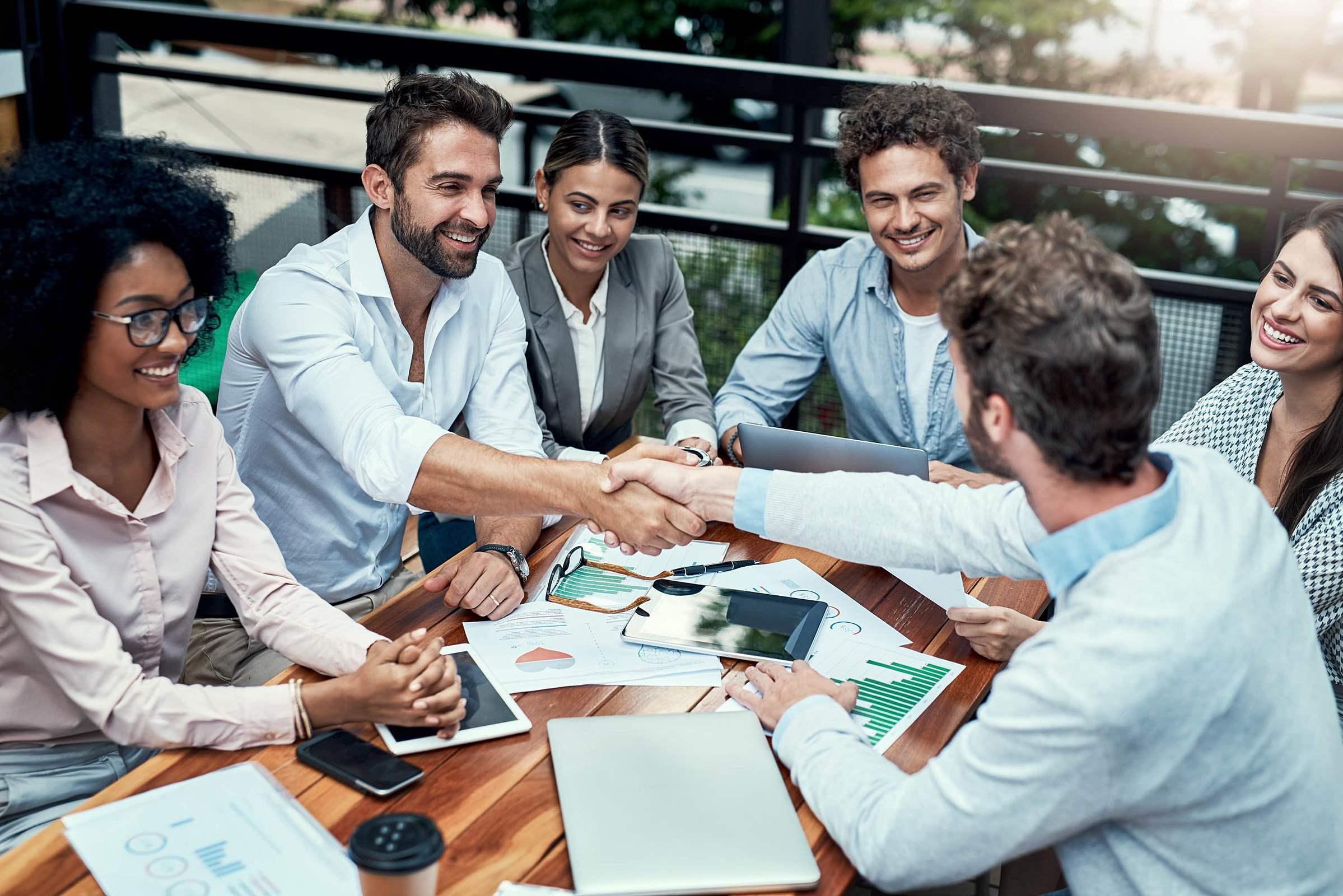 Integração de equipes: veja como unir o time de TI com outros setores da empresa